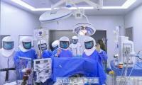 肺移植专家陈静瑜团队成功进行全球首例新冠肺炎病人肺移植手术