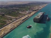 苏伊士运河排队船只已接近全部通过