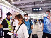 验码、测温、提醒戴口罩……上海收紧口岸、公交各项防疫措施