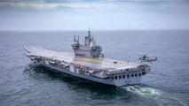 印度国产航母首次试航,外媒称远不如中国