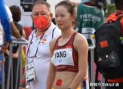 爆冷!中国队丢最稳一金,世界纪录保持者落泪,卫冕冠军:尽力了