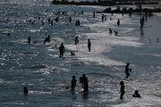 美国纽约海滩7人遭雷击受伤 2名青少年伤势严重