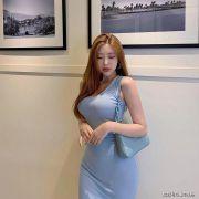 韩国模特九头身搭大长腿,0.71的腰臀比让人羡慕