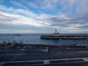 """美海军两个航空母舰打击群现身南海 """"双航母""""行动为哪般?"""