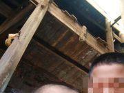 男子将邻居一家三人扔下楼致2死1伤,一审获死刑
