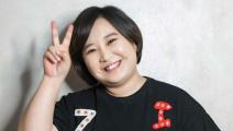 《李焕英》官方晒出贾玲妈妈高清修复照:笑容甜美,与贾玲太像