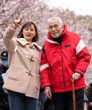 最美的约定!武汉99岁天文学泰斗陪她看樱花……