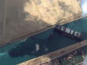 """从""""上帝视角""""看苏伊士运河堵塞现状"""